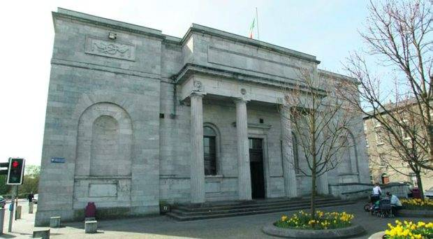 Galway welfare officer pleads guilty to stealing over €12,000