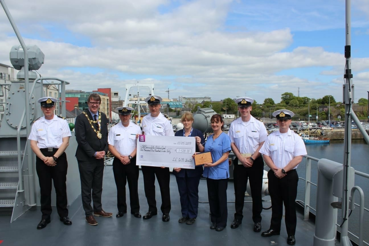 Navy ship's crew raise €1,500 for children's ward at UHG